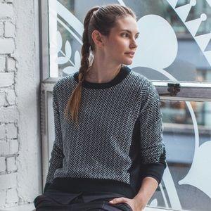Lululemon • yogi crew sweater